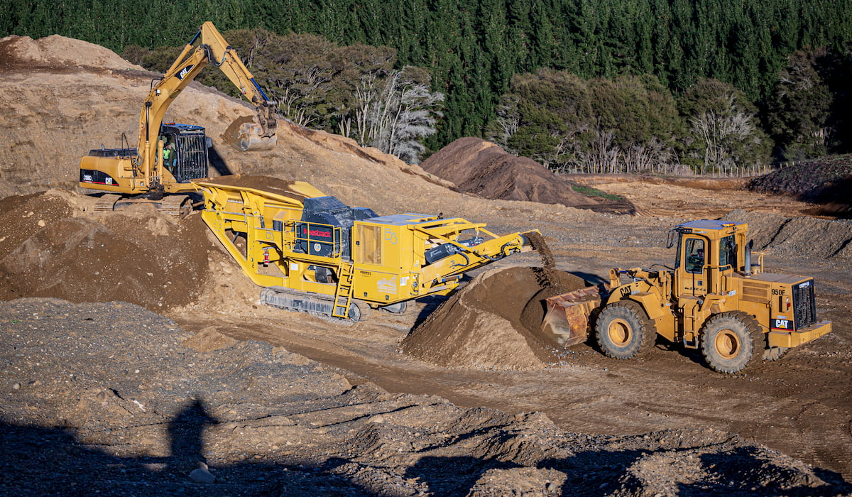 Keestrack B3 Jaw Crusher - Crushing Pit Run NZ